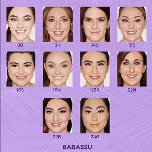 tarte Makeup - NWT Tarte Foundcealer & Sponge Babassu Foundation
